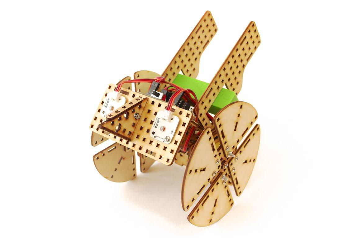 light follower robot wheeler